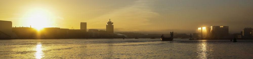 IJ bij zonsondergang